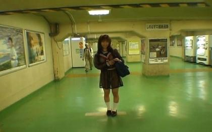 Mikan Lovely Asian schoolgirl is an exhibitionist